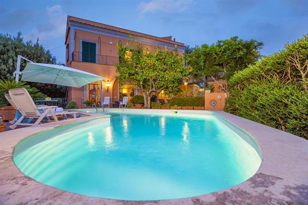 Villa Epoch in Italy