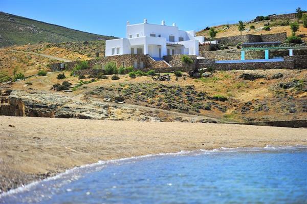 Villa Erinikos in Southern Aegean