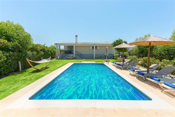 Villa Erinna in Southern Aegean