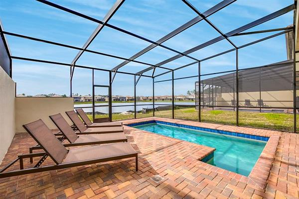 Villa Geneve Court, Windsor at Westside, Orlando - Florida With Swimming Pool