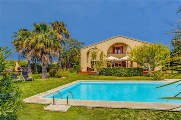 Villa Glasses in Illes Balears