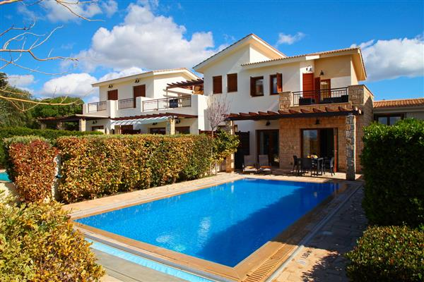 Villa Hesperos, Aphrodite Hills, Cyprus With Swimming Pool