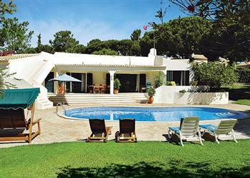 Villa Jacaranda in Portugal
