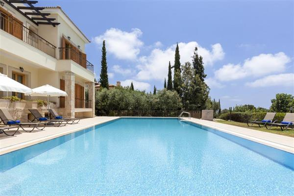 Villa Kaia, Aphrodite Hills, Cyprus with hot tub