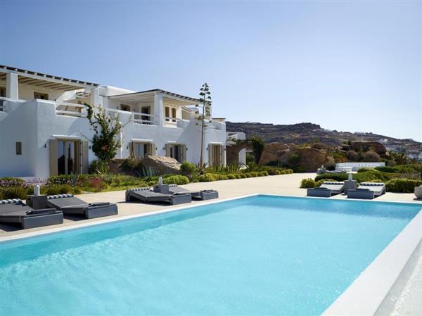 Villa Kyros I in Southern Aegean
