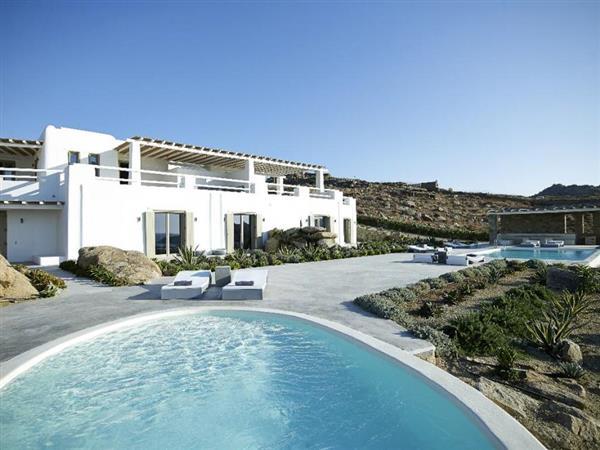 Villa Kyros II in Southern Aegean