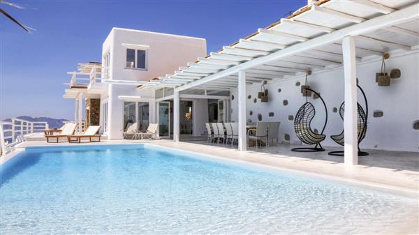 Villa Lambda in Southern Aegean