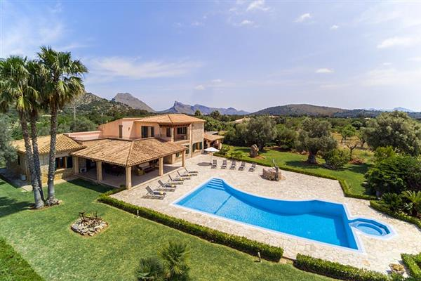 Villa Les Oliveres, Puerto Pollensa, Mallorca With Swimming Pool