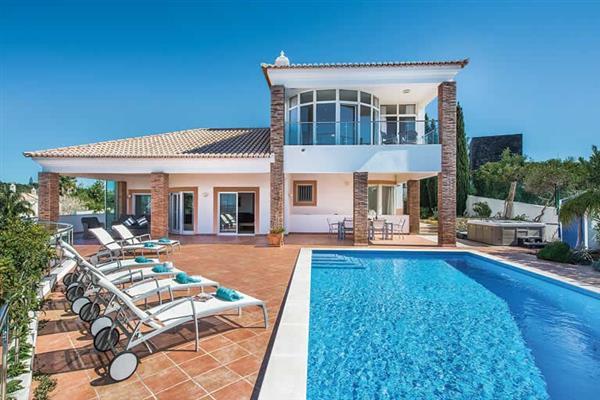 Villa Lila in Portugal