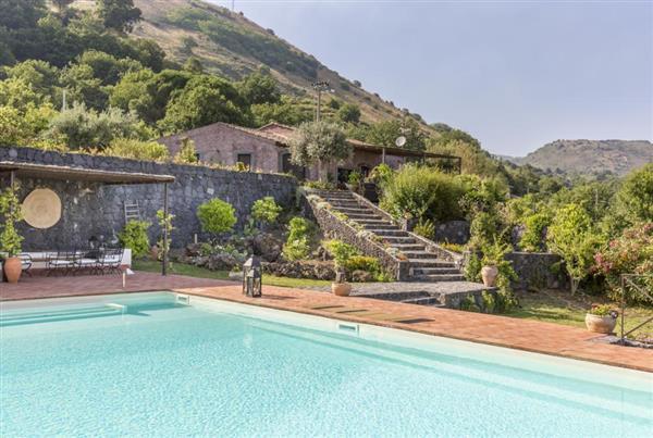 Villa Lovere in Provincia di Catania