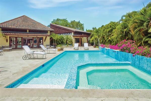 Villa Marmol from James Villas