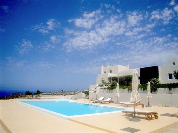 Villa Mavri Petra in Southern Aegean