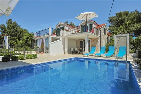 Villa Milna (CDB480) from James Villas