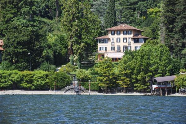 Villa Molvedo in Provincia di Como