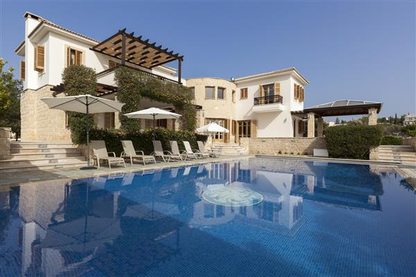 Villa Mory, Aphrodite Hills, Paphos With Swimming Pool