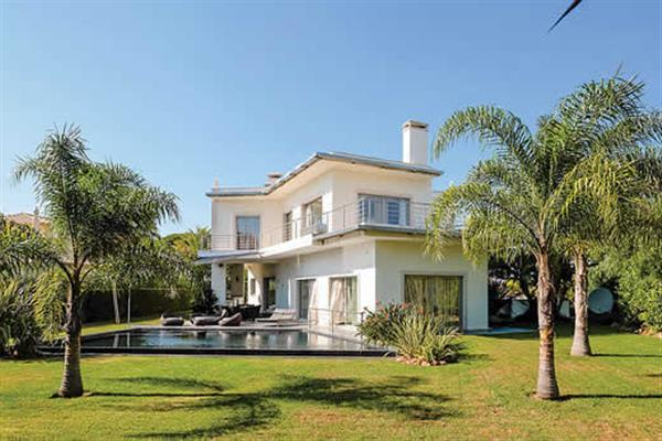 Villa Noir in Portugal