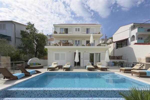 Villa Obala in Općina Okrug