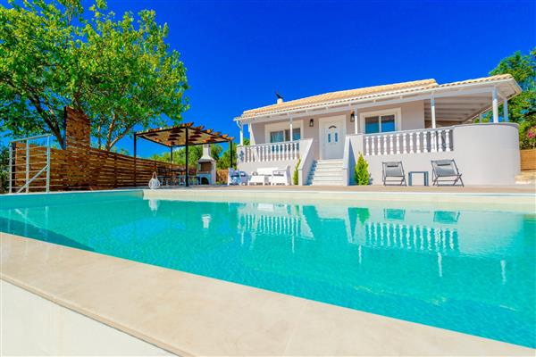 Villa Oliveto in Ionian Islands