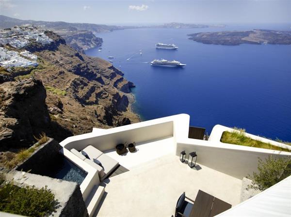 Villa Omikron in Southern Aegean