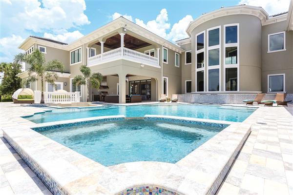 Villa Palmilla Court in Florida