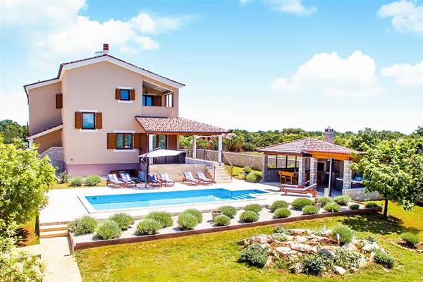 Villa Par in Croatia