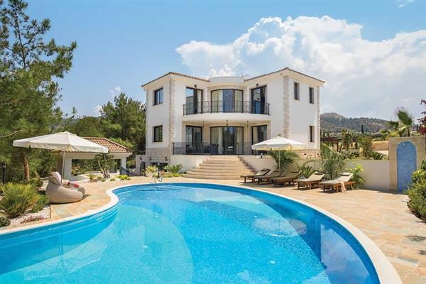 Villa Paradise Garden in Cyprus