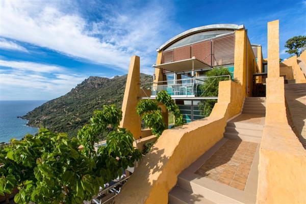 Villa Ravdoucha Athina in Crete
