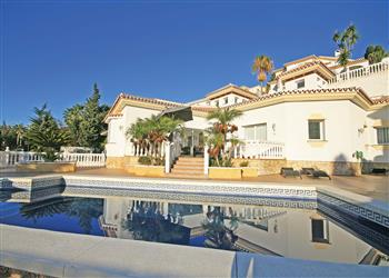 Villa Riviera in Spain