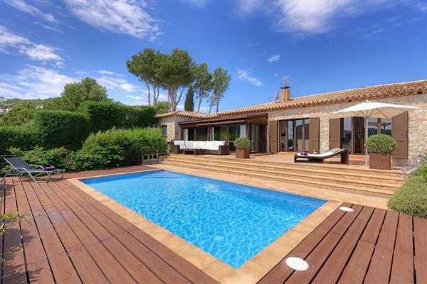 Villa Sa Riera in Girona