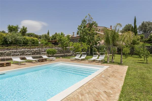 Villa Severa in Provincia di Catania