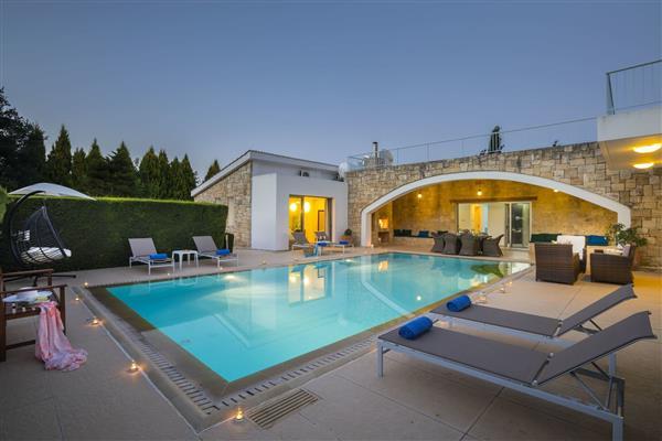 Villa Stefanaki, Polis, Paphos With Swimming Pool