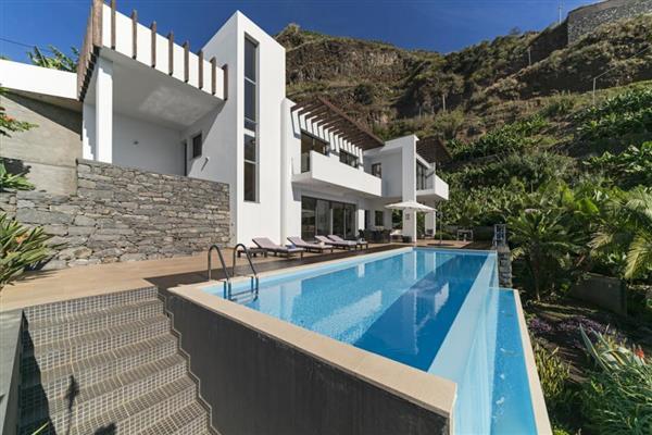 Villa Trocaz in