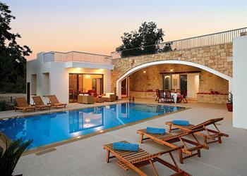 Villa Zoe, Miliou, Cyprus With Swimming Pool