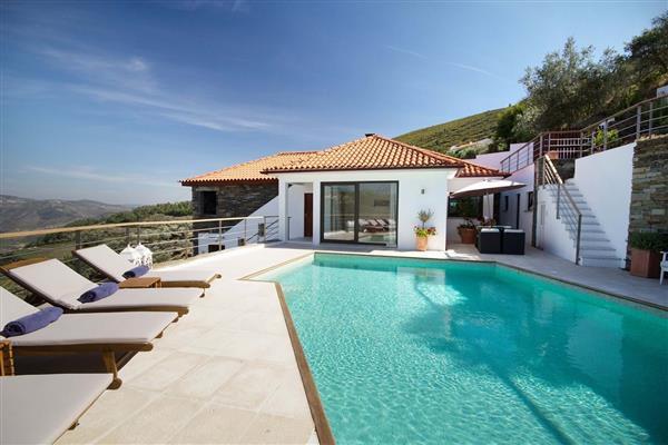 Vineyard Cottage in Sabrosa