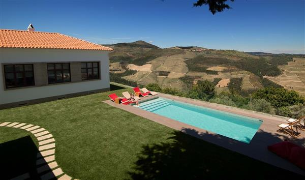 Vineyard House in Sabrosa